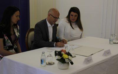 Директорка Завода присуствовала свечаности поводом потписивања Европске повеље о једнакости жена и мушкараца у локалном животу
