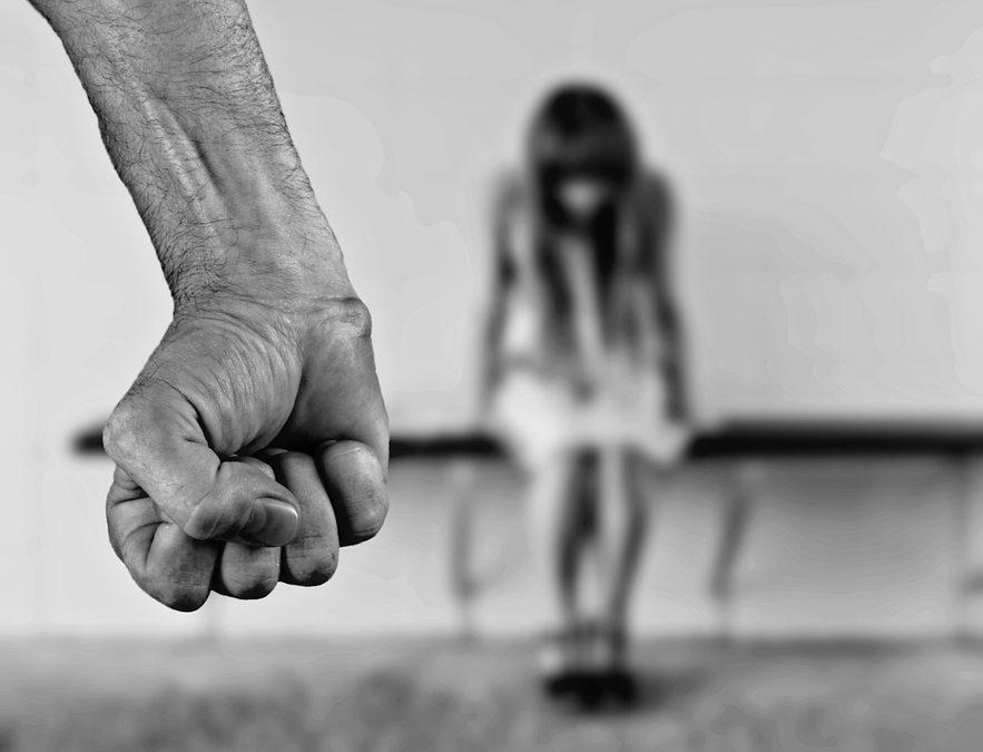 NЕ ZABORAVITE NIKOGA: ZAUSTAVITE NASILJE PREMA ŽENAMA I DEVOJČICAMA